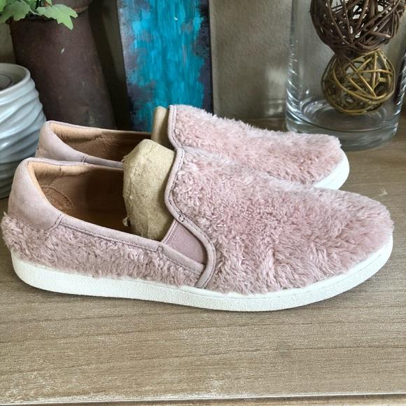 212ef0a9aff UGG Ricci Slip-On Sneaker (Women's) BRAND NEW
